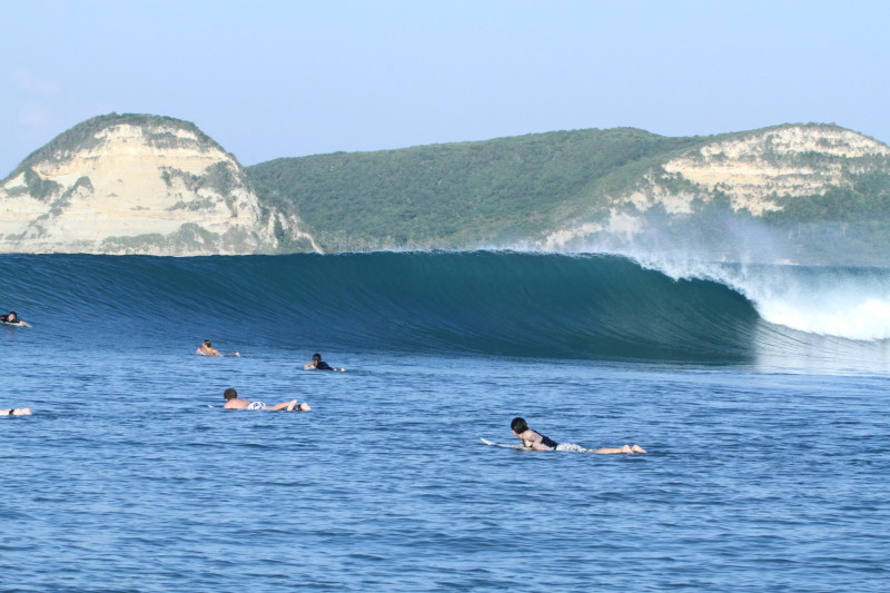 surf indonesia wave